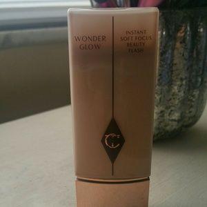 Charlotte Tilbury Makeup - Charlotte Tilbury Wonderglow Soft focus Primer
